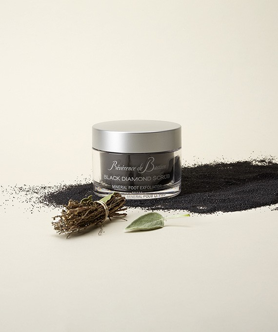 THE BLACK DIAMOND SCRUB – Mineral foot exfoliator